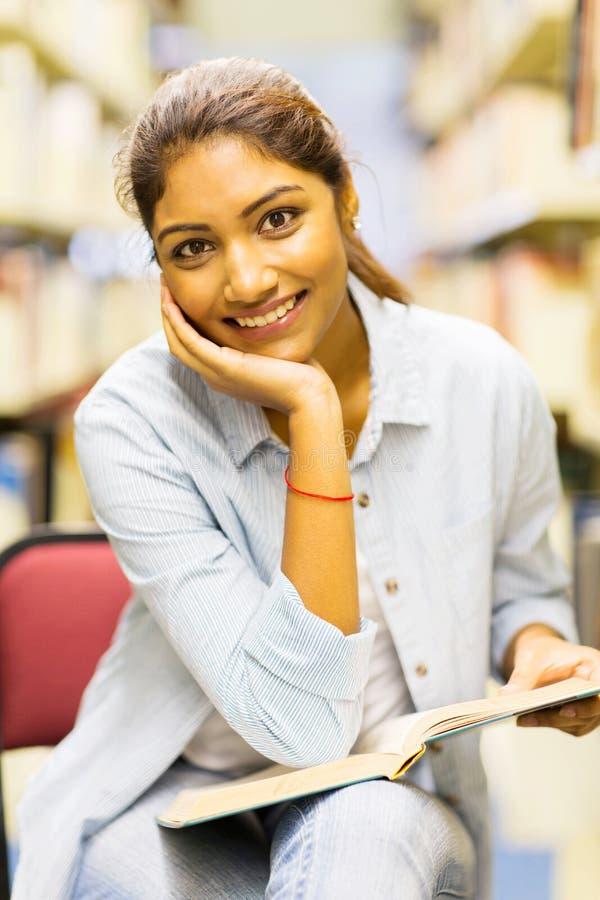 Universitaire studentenbibliotheek stock foto's