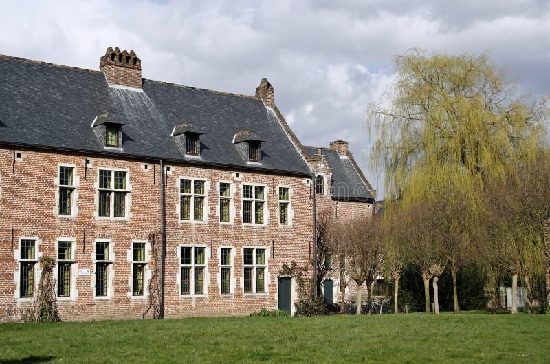 Download Universitaire Studentenkamers Stock Foto - Afbeelding bestaande uit huis, bruin: 10779790