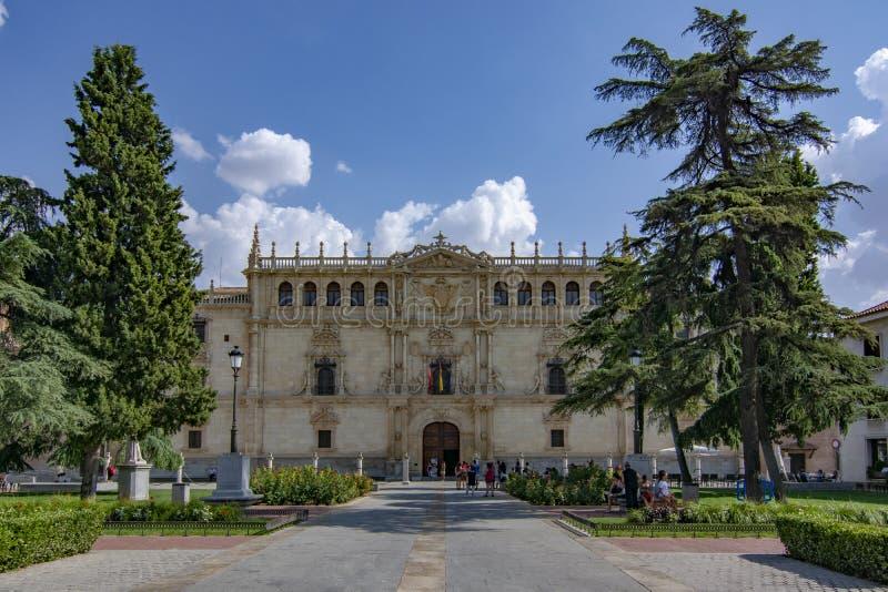 Universiteit van Alcala DE Henares in Madrid stock foto's