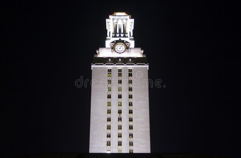 Universiteit van de Klokketoren van Texas Bij Nacht royalty-vrije stock foto