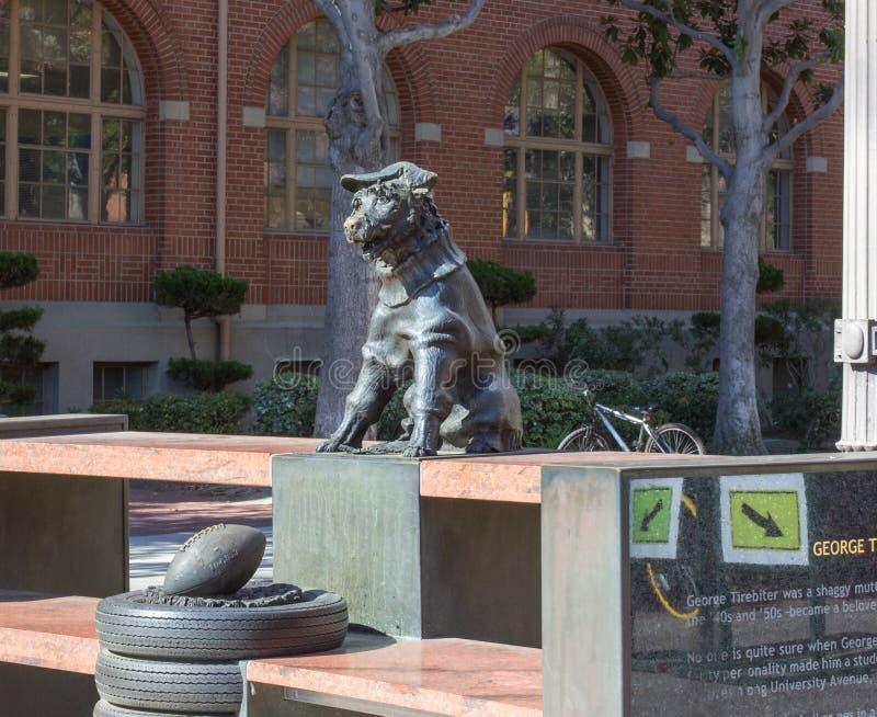 Universiteit van het Zuidelijke standbeeld van Californië George Tirebiter stock foto's