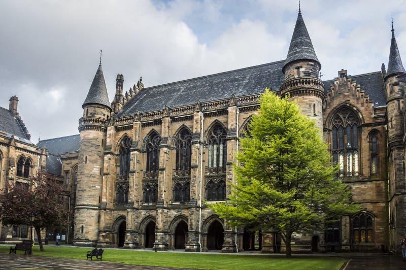 Universitet av Glasgow den inre borggården royaltyfria bilder