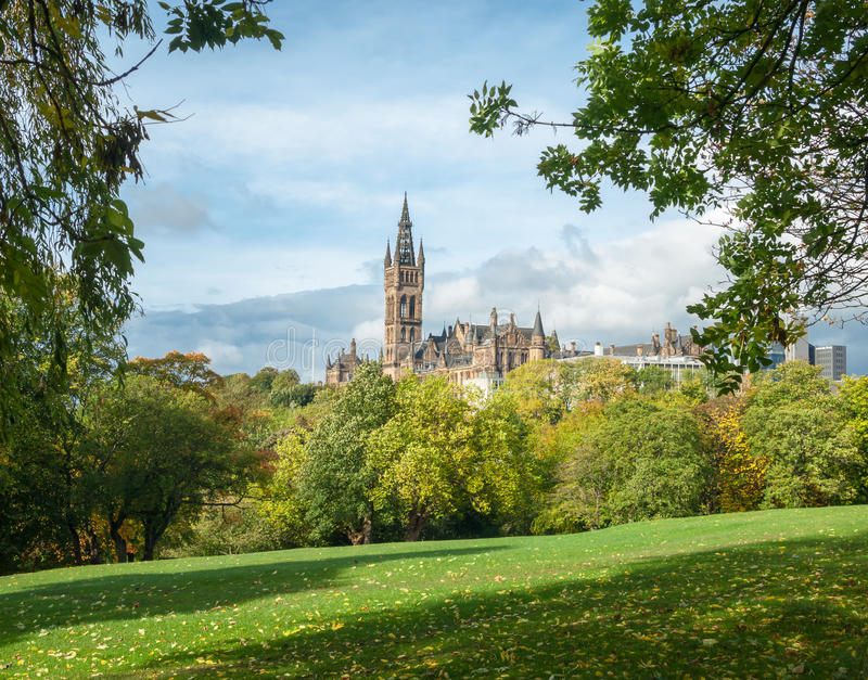 Universitetet av Glasgow byggnad royaltyfria foton