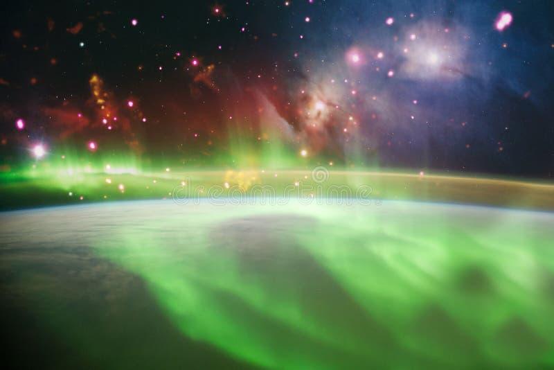 Universo colorido brillante abstracto Cielo estrellado de la noche de la nebulosa en colores del arco iris Espacio exterior multi ilustración del vector