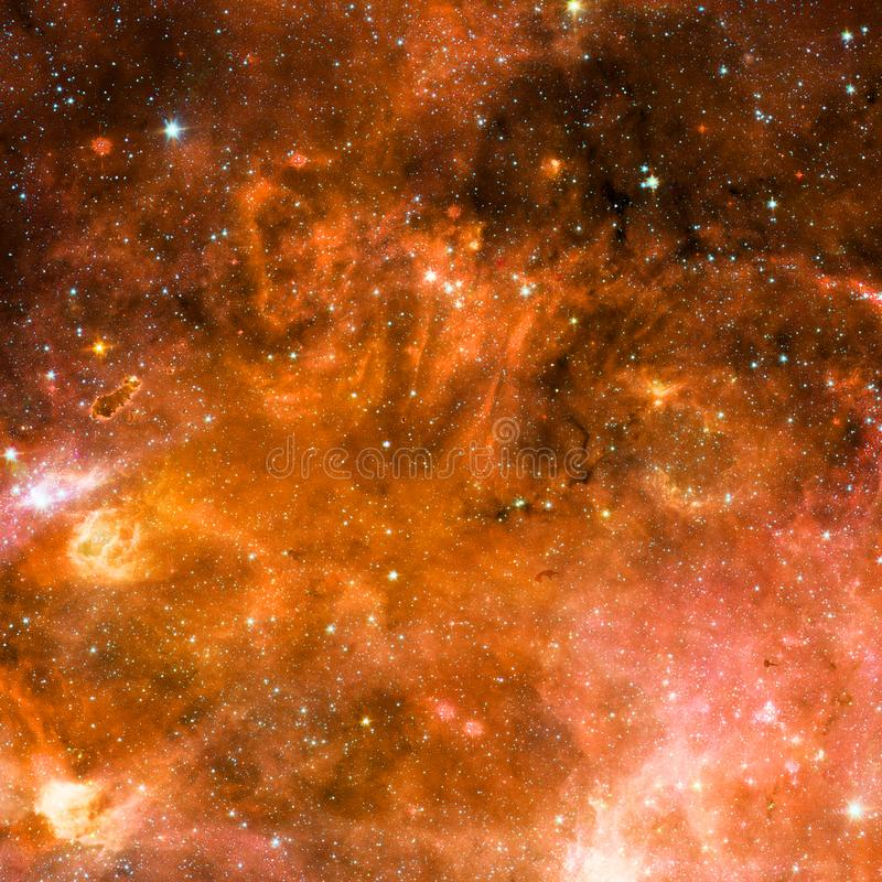 Universum fyllde med stj?rnor, nebulosan och galaxen royaltyfri foto