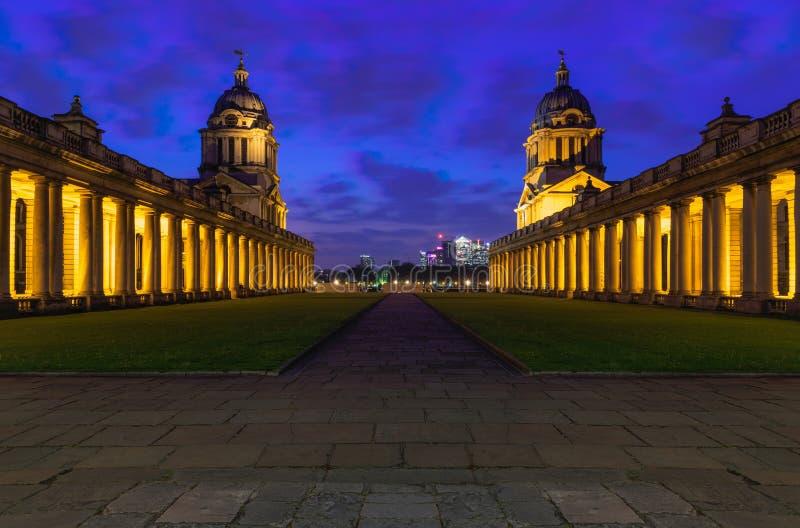 Uniwersytet Greenwich przy nocą obrazy stock