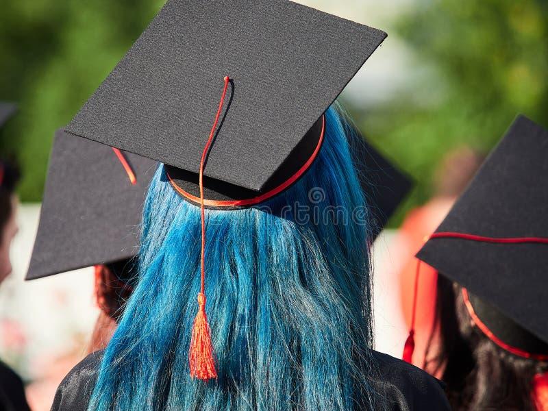 Uniwersytet kończy studia przy skalowanie ceremonią zdjęcie royalty free