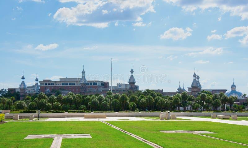 Uniwersytet Tampa w Floryda na jaskrawym pogodnym popołudniu obraz royalty free