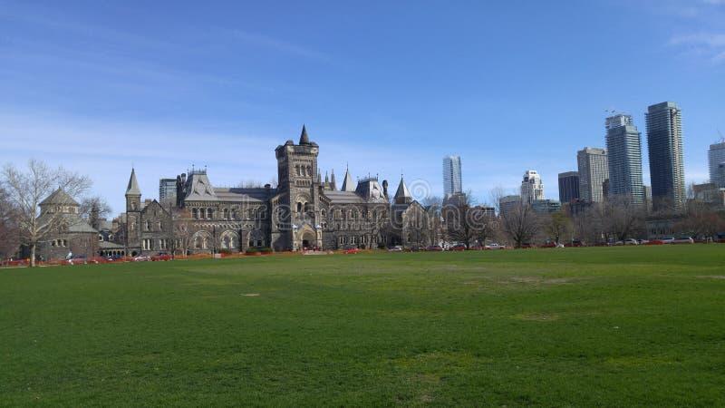 Uniwersytet w Toronto w sercu miasto zdjęcia royalty free