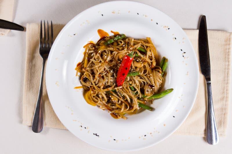 Unkosten des würzigen Aufruhrs Fried Noodles stockbilder