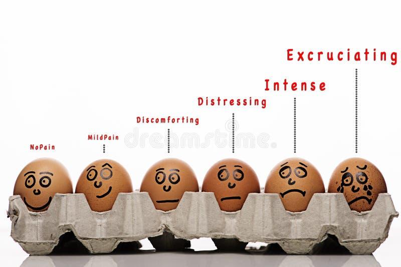 Unny e caratteri delle uova sopra fondo bianco immagini stock libere da diritti