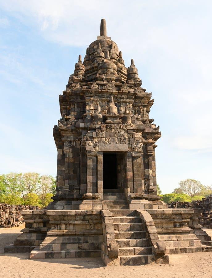 Uno de los muchos templo en el complejo de Candi Sewu fotos de archivo
