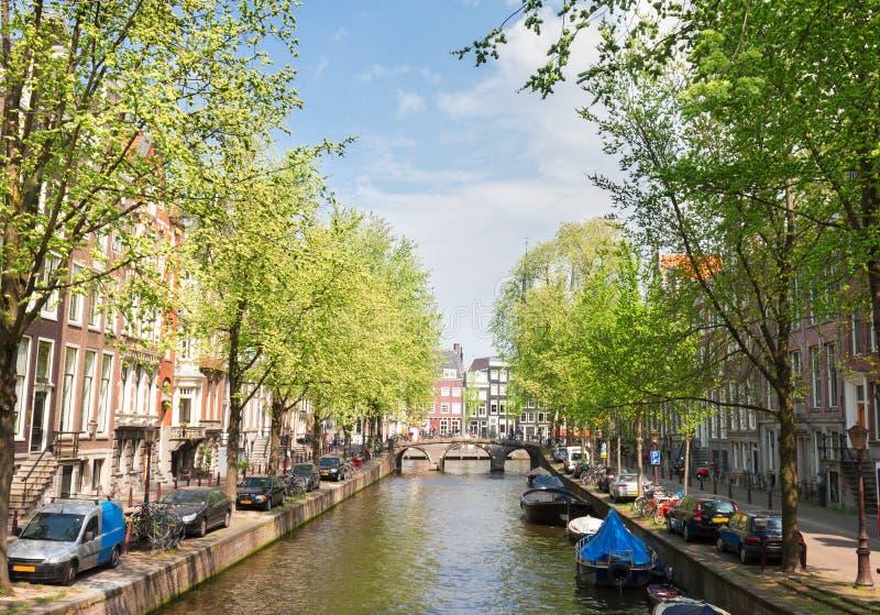 Uno dei canali a Amsterdam, l'Olanda fotografie stock