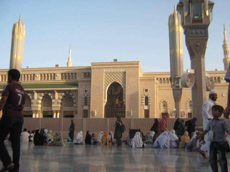 UNO DI PIÙ GRANDE MOSCHEA NEL MONDO L, MEDINA, ARABIA SAUDITA fotografia stock libera da diritti