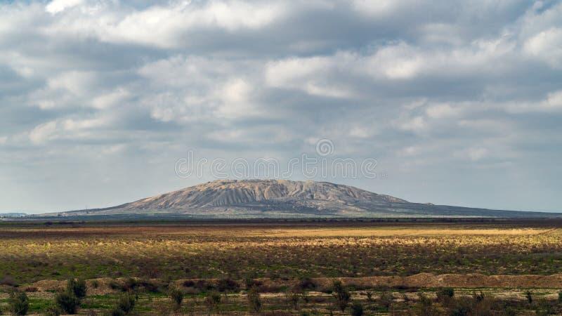 Uno di più grandi vulcani del fango nell'Azerbaigian immagine stock