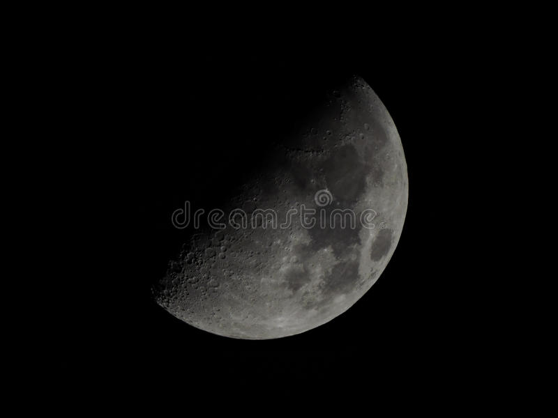 Uno e luna soltanto mezza immagini stock