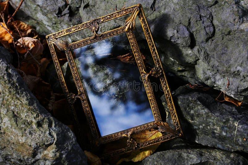 Uno specchio magico per i sogni fotografia stock libera da diritti