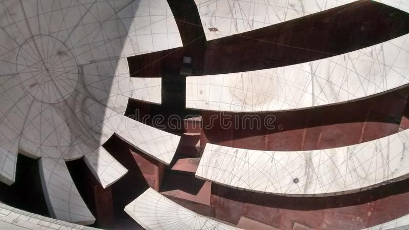 Uno strumento per misurare tempo a Jantar Mantar, Jaipur fotografia stock