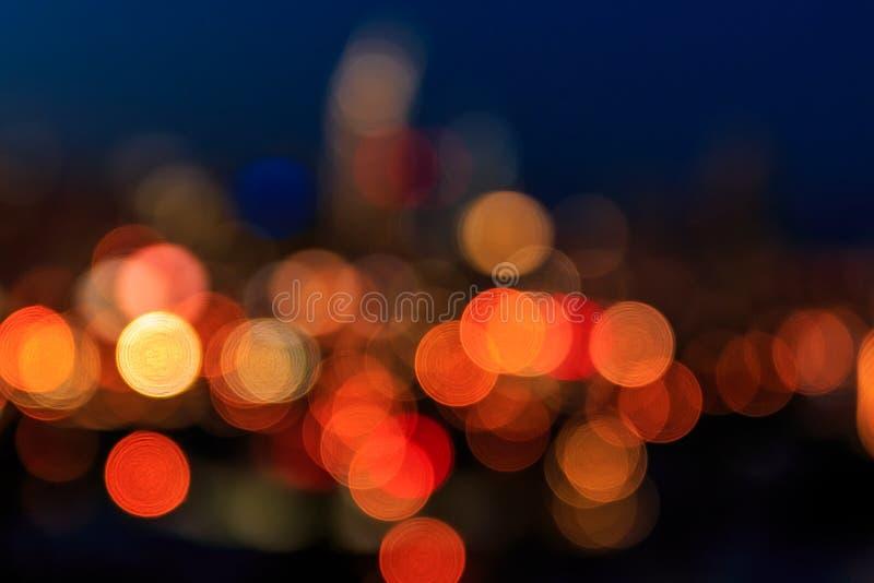 Unscharfe Stadtlichter von San Francisco-Skylinen nachts lizenzfreies stockbild