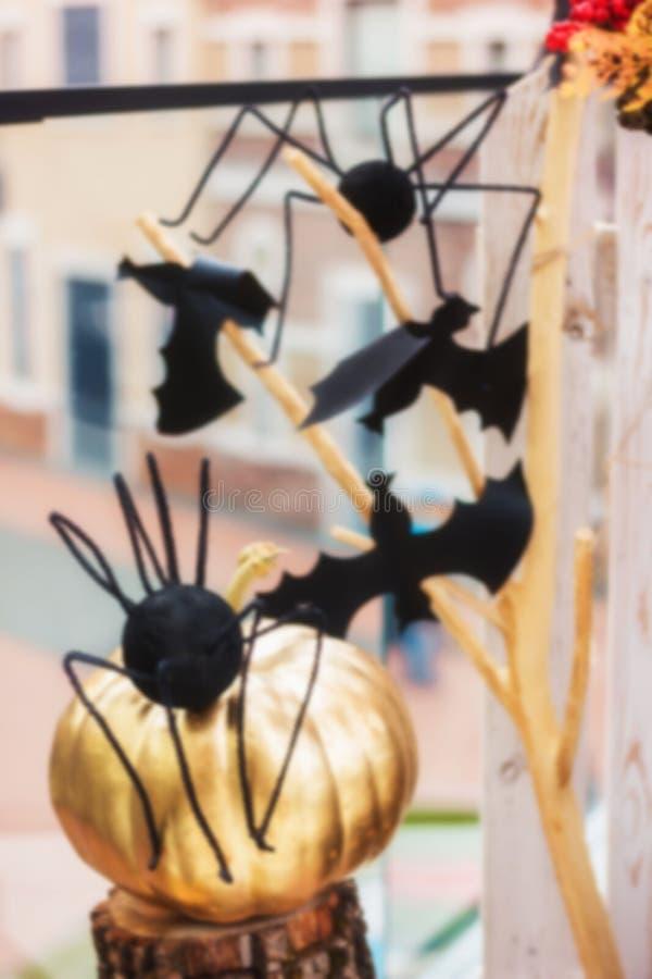 Unscharfer Hintergrund Dekorationen für Halloween lizenzfreies stockbild