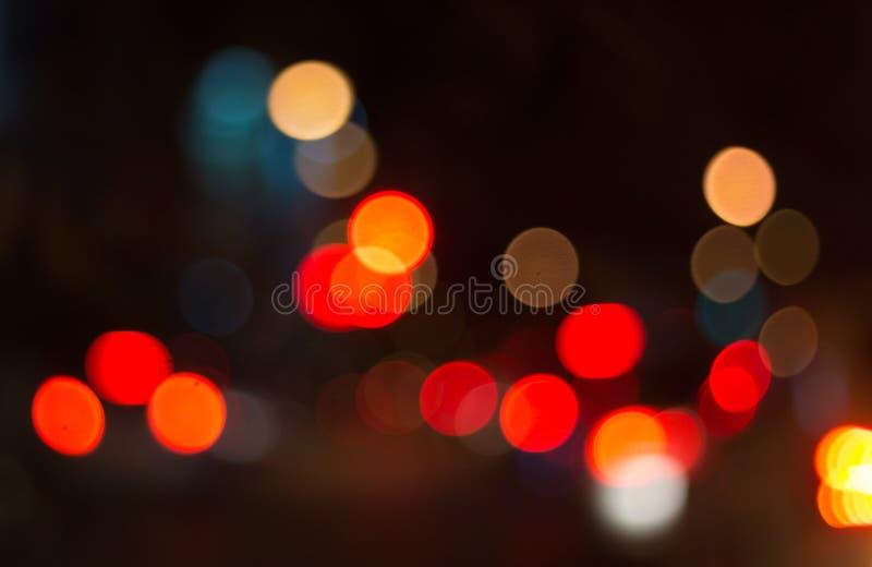 Unscharfes Bild von festlichen Lichtern, die als Hintergrund benutzt werden können lizenzfreie stockfotografie
