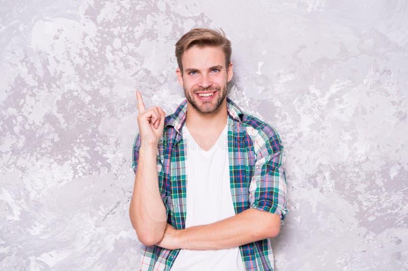 Unshaven, l'homme heureux d'une nouvelle idée concept d'inspiration sensualité masculine sexy style décontracté machos grunge photographie stock