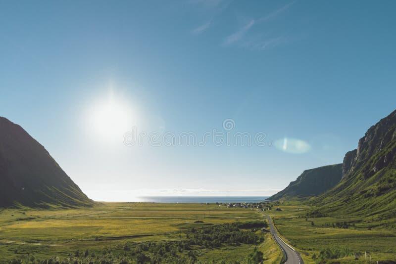 Unstad, paraíso dos surfistas de Lofoten em Noruega fotografia de stock royalty free