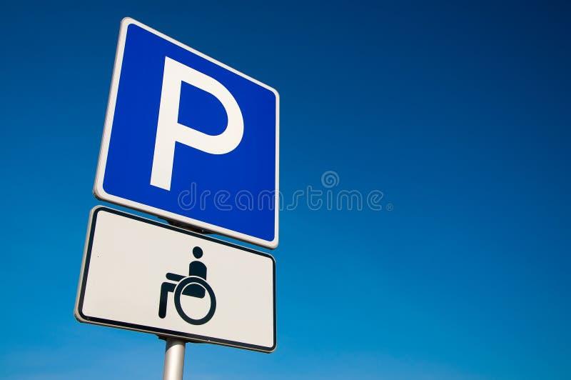 Untaugliches Parkenzeichen stockbilder
