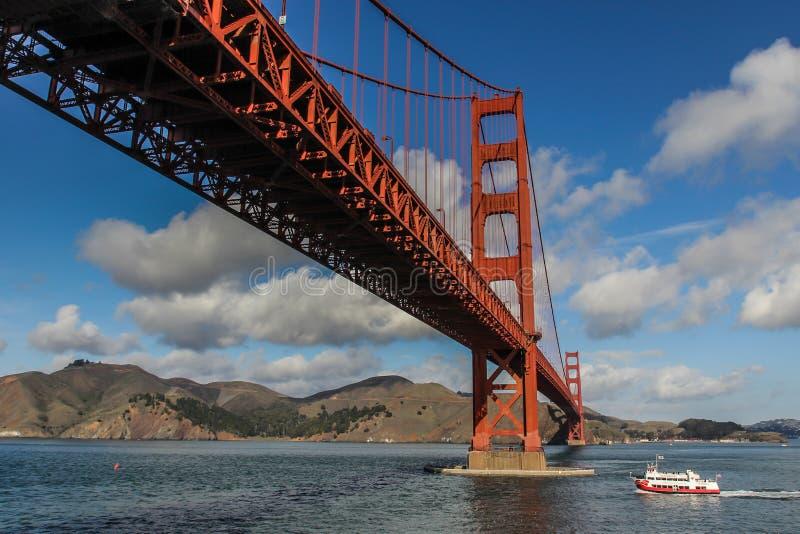 Unter einem Golden Gate stockfotografie