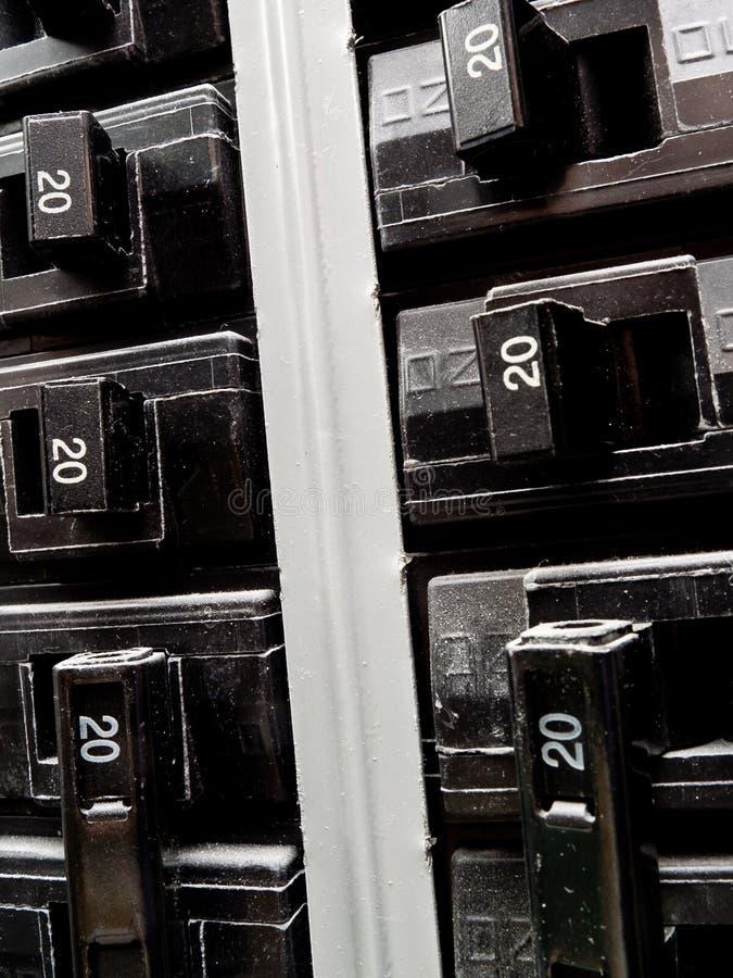 Unterbrecher im elektrischen Panel lizenzfreie stockbilder