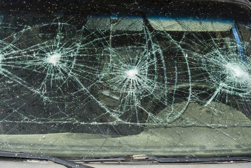 Unterbrochenes Autofenster lizenzfreie stockbilder