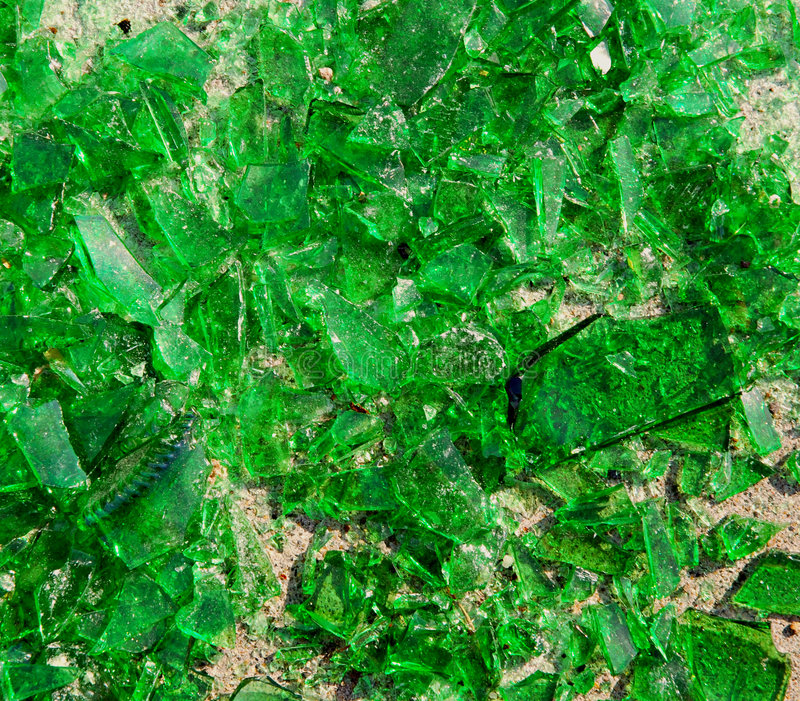Unterbrochenes grünes Glas lizenzfreies stockfoto