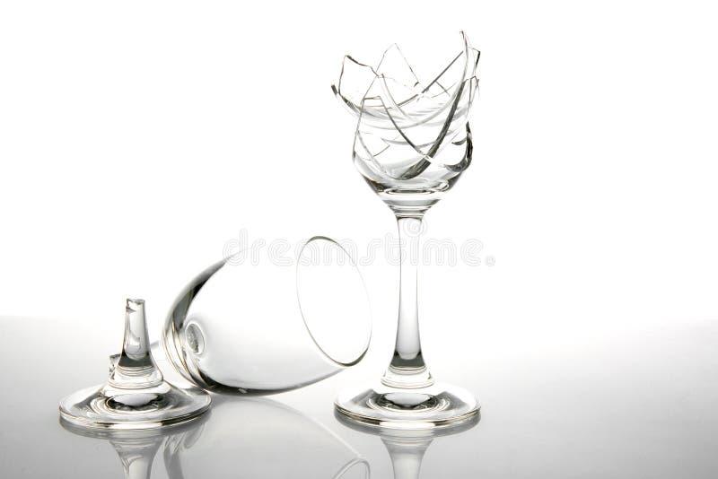 Unterbrochenes Wein-Glas lizenzfreie stockfotos