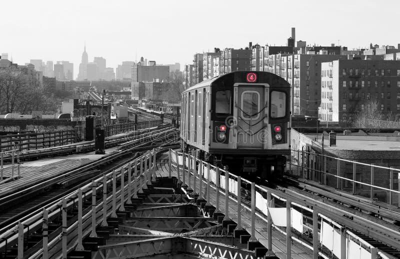 Download Untergrundbahn-Zeile stockfoto. Bild von zeile, stadt, fahrt - 44998