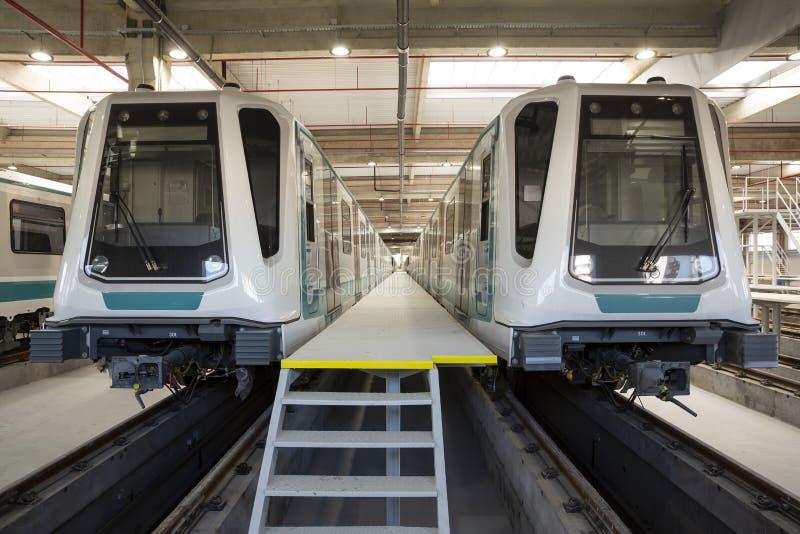 Untergrundbahnen in einem Depot lizenzfreies stockbild