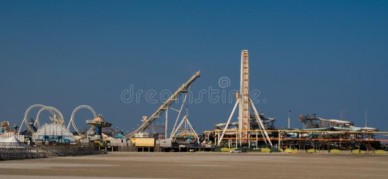 Unterhaltungs-Pier (panoramisch) lizenzfreie stockfotografie