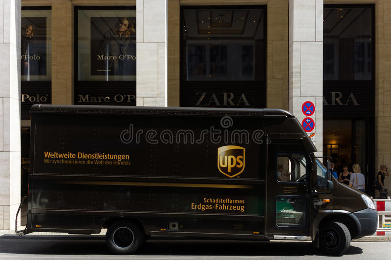 Unternehmensauto United Parcel Service (UPS) stockfotografie