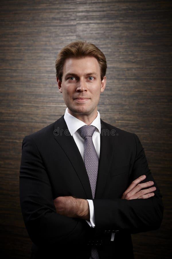 Unternehmensprofilfoto eines Berufsgeschäftsmannes stockbilder