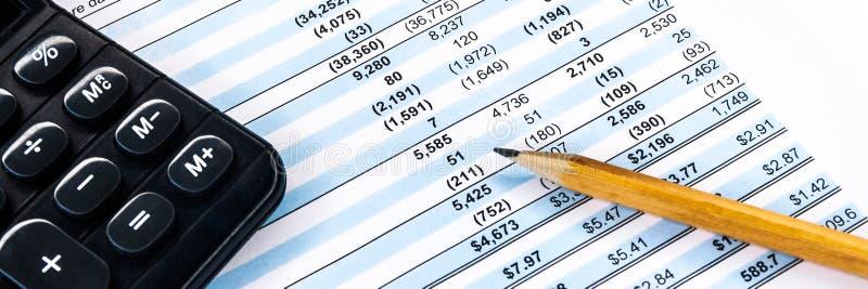 Unternehmenszusammensetzung. Finanzanalyse - Saldo der Gewinn- und Verlustrechnung stockfotografie