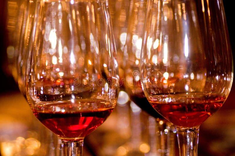 Unterschiedlicher Wein und Glas stockfoto