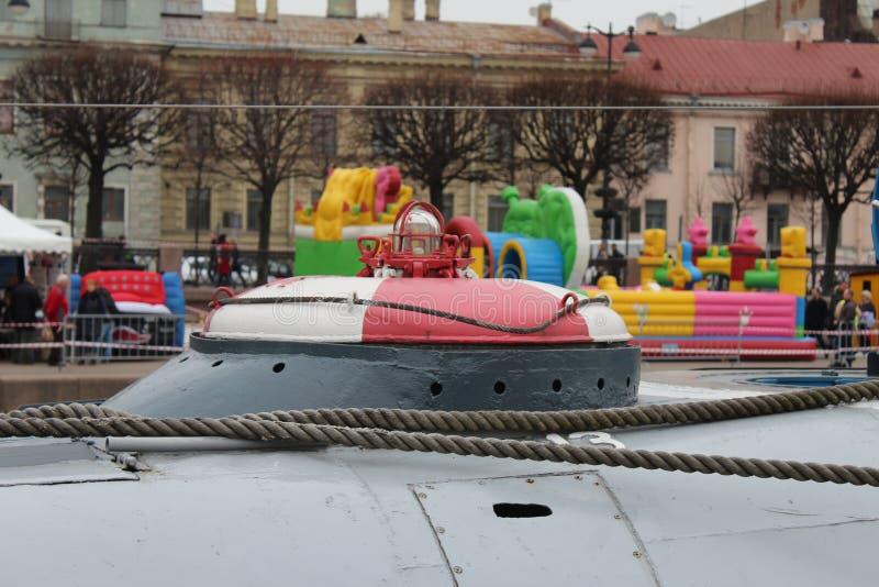 Unterseeboot C189 nahe dem Leutnant Schmidt Embankment in St Petersburg stockfoto