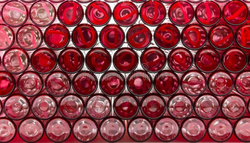 Unterseiten der leeren Glasflaschen lizenzfreie stockbilder