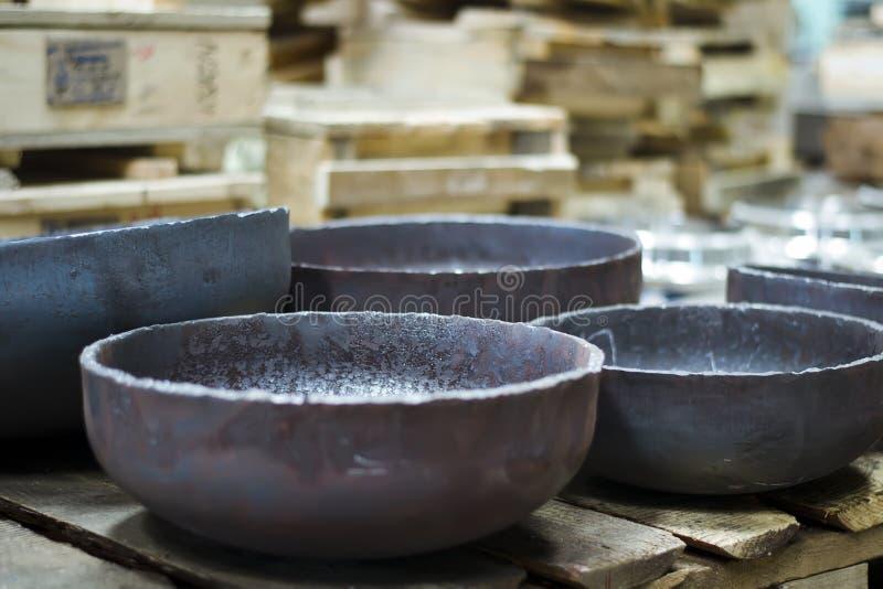 Unterseiten gemacht vom schwarzen Stahl lizenzfreies stockbild