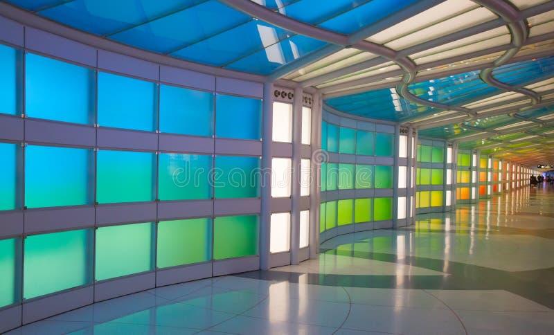 Untertagedurchgang im Flughafen Chicagos O'Hare stockbilder