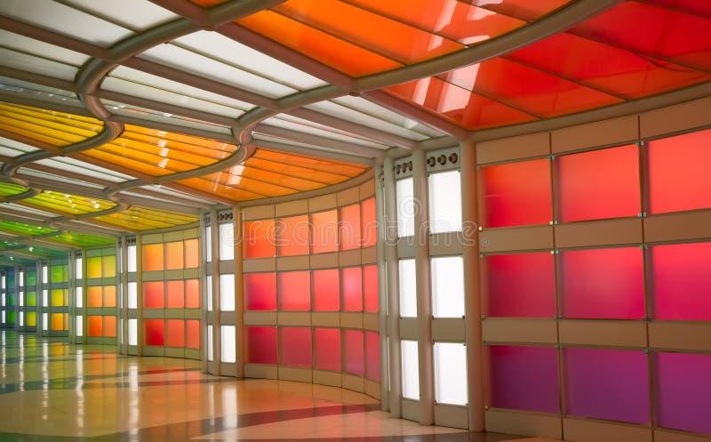 Untertagedurchgang im Flughafen Chicagos O'Hare lizenzfreie stockbilder