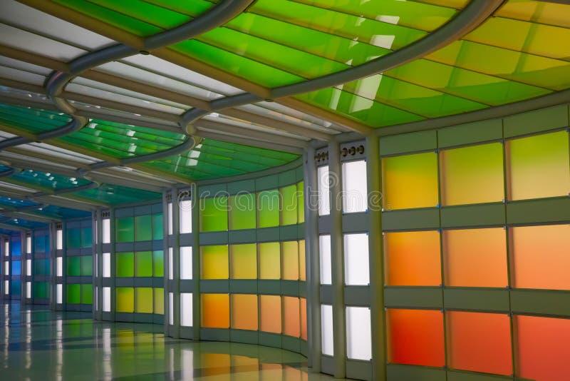Untertagedurchgang im Flughafen Chicagos O'Hare lizenzfreies stockfoto