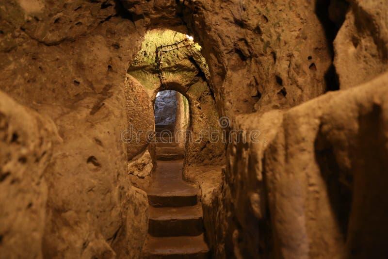Untertagestadt Derinkuyu in Cappadocia stockbild