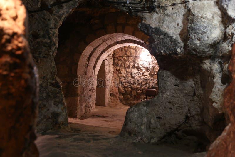 Untertagestadt Derinkuyu in Cappadocia lizenzfreie stockfotografie