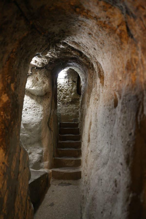 Untertagestadt Derinkuyu in Cappadocia stockfotos