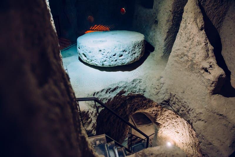 Untertagestadt Derinkuyu in Cappadocia, die Türkei lizenzfreie stockbilder